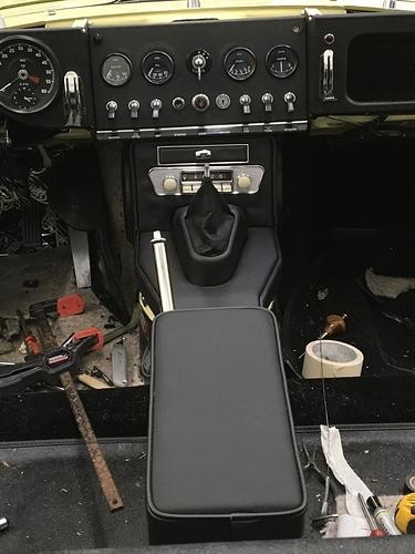 xke fuse box center radio console clearance e type jag lovers forums  center radio console clearance e type