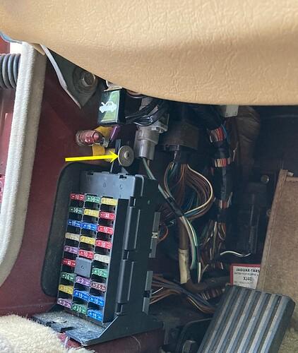 5 L fuse box