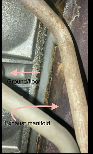 Bottom side of exhuast manifold