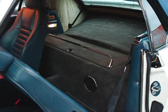 5 Interior Driver Side 3