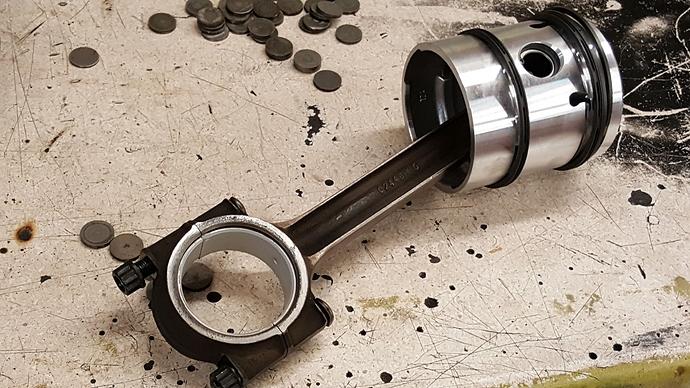 XK120 660405 14.06.18 n piston & rod