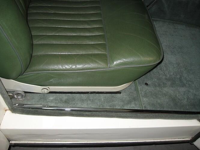 1952_jaguar_xk120_roadster_1566750750dff9f98764daInt-13-RH-Door-Sill (1)
