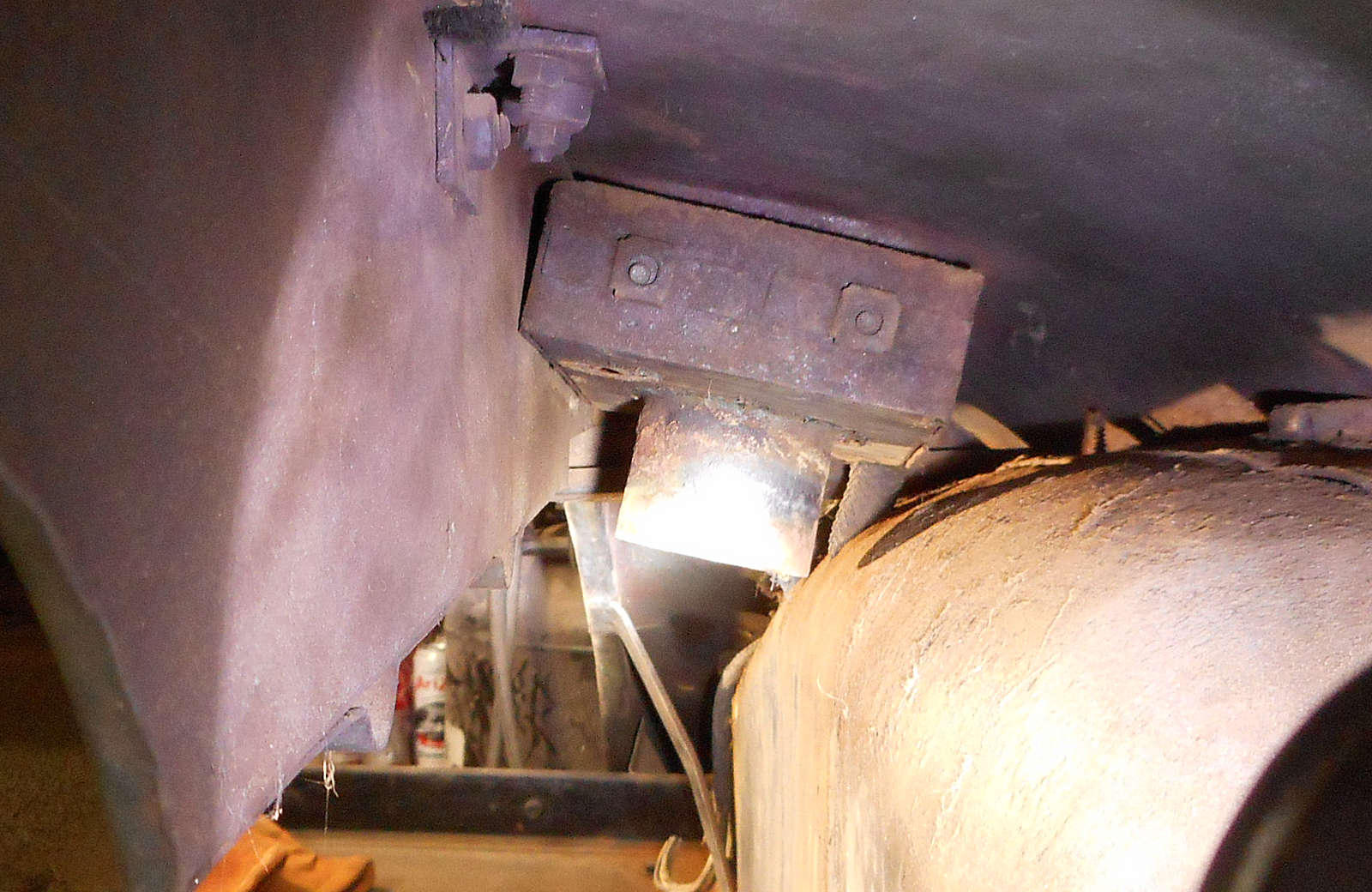 Fuel filler box