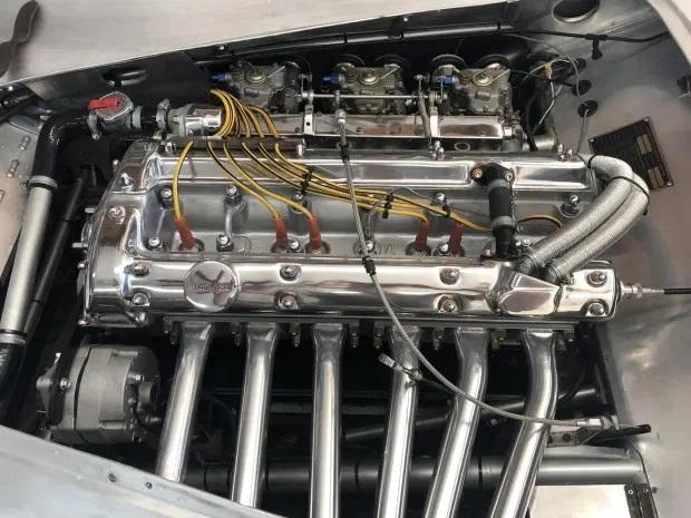 1951_jaguar_xk120_roadster_1597896238ef473835e771149XK-LT-1-1