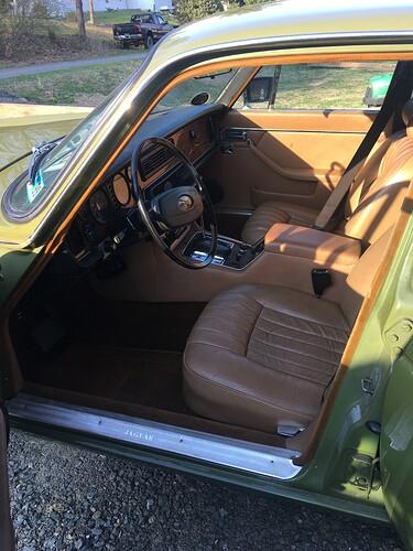xj6 drivewrs interior