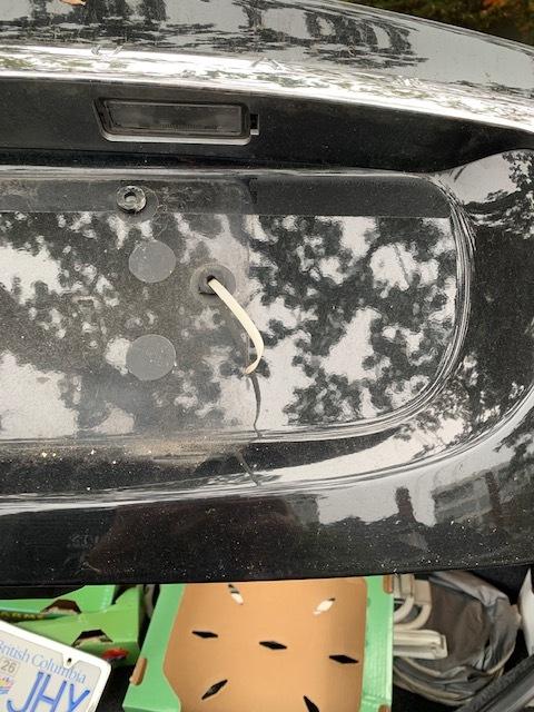 x type trunk latch2