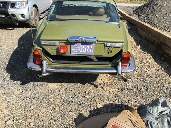 xj6 rear view 1
